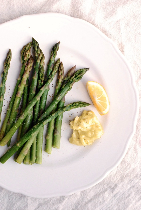 asparagus with meyer lemon aioli // brooklyn supper