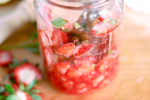 strawberry tarragon smash // brooklyn supper