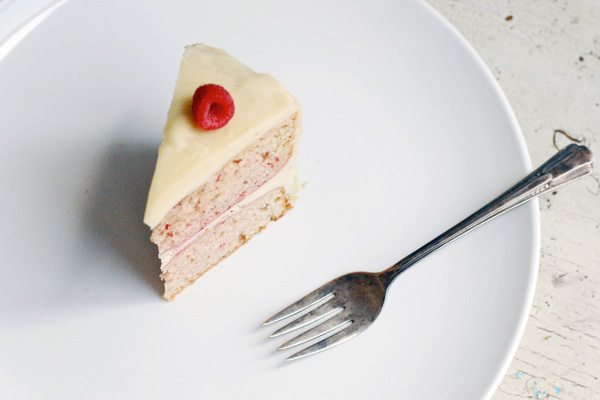 raspberry cake with vanilla buttercream // brooklyn supper
