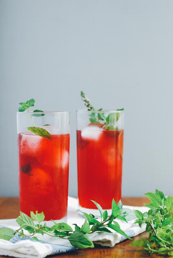 blackberry shrub cocktails // brooklyn supper