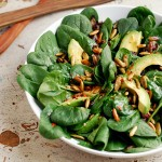 avocado and spinach salad + weekend links